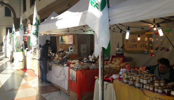 Mercato Agreste sotto i Portici di via Roma