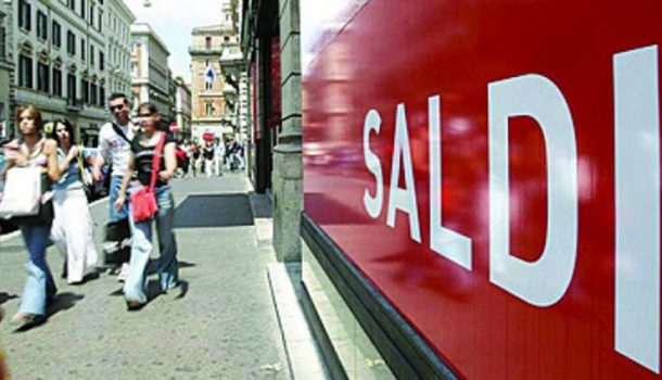 Saldi estivi 2019: Confesercenti, nei negozi ribassi dal 30% per invertire un anno difficile