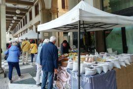 Torna il Mercatale sotto i portici di via Roma