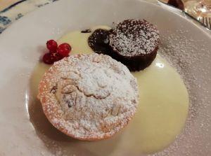 torta della nonna e cuore di cioccolato caldo con crema inglese 1