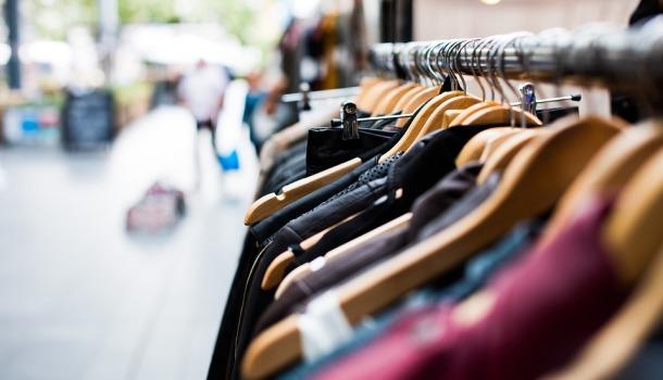 Commercio: Confesercenti, con restrizioni vola l'online e crollano i negozi. Vendite dei piccoli -2,5 miliardi
