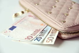 Confesercenti: Istat certifica crollo record dei consumi